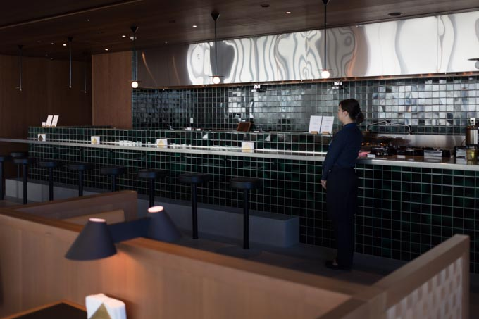 haneda-airport-cathaypacific-lounge-40