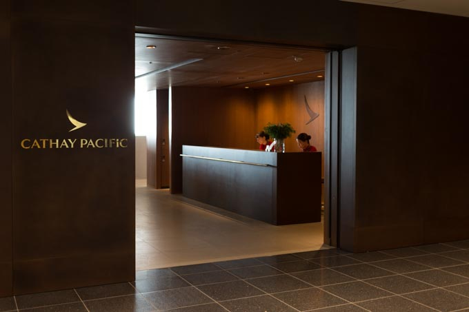 haneda-airport-cathaypacific-lounge-44