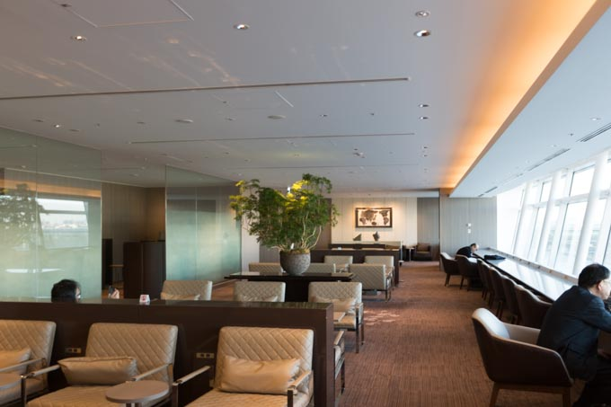 jal-firstclass-lounge-26