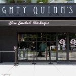 台北 Mighty Quinn's Barbeque Taiwan (マイティ・クインズ・麥笛昆 BBQ)は、ブルックリン発祥のバーベキュー料理のお店